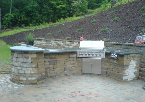 Paver outdoor kitchen